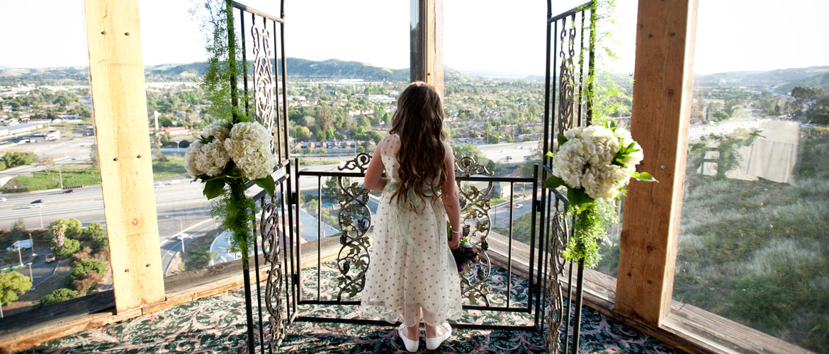Spring Wedding Locations, Dress Trends & Ideas